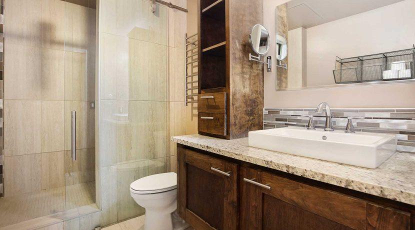 Master-Bathroom-2-web