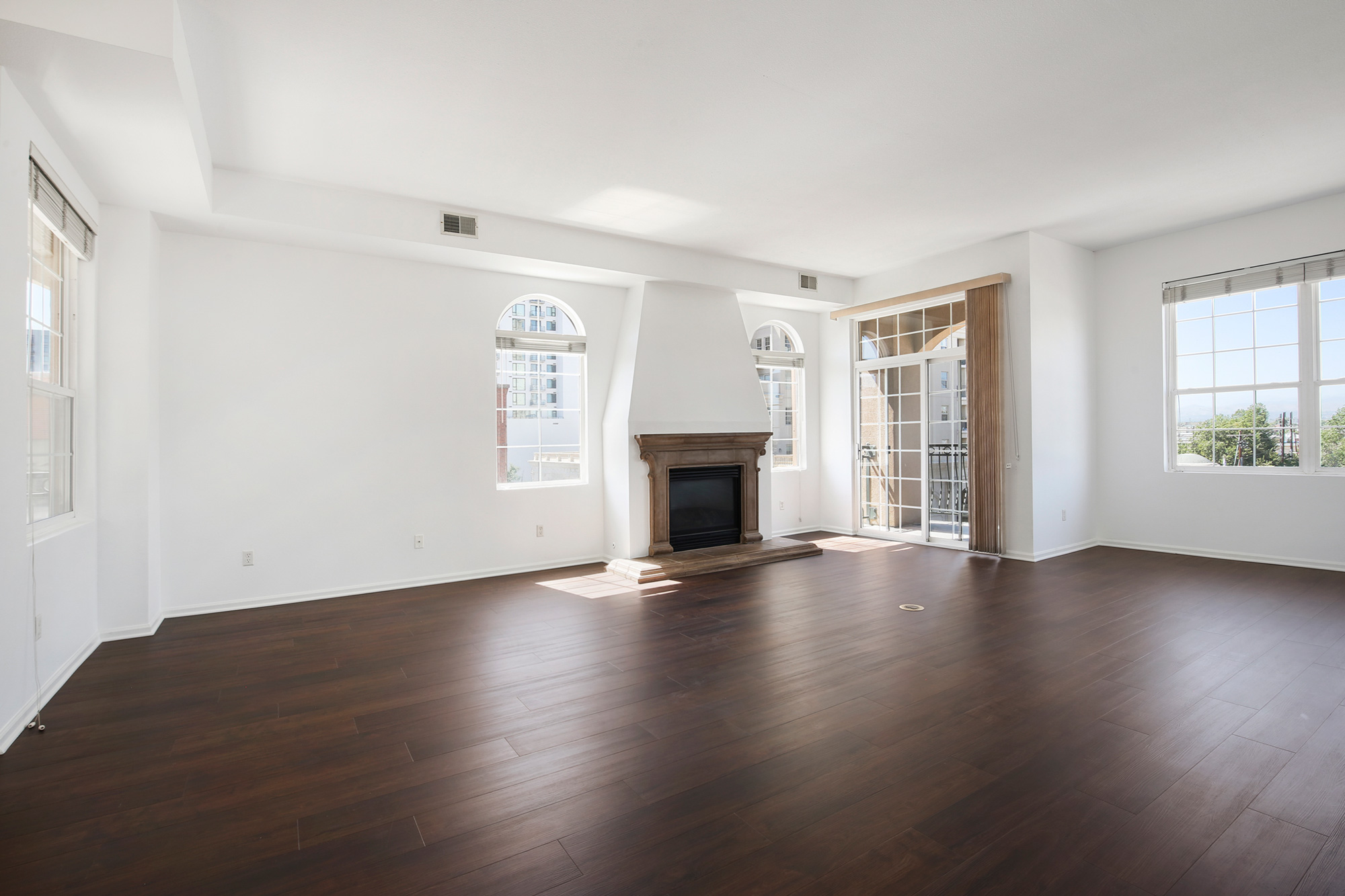 Condo for lease at Trieste in Golden Triangle