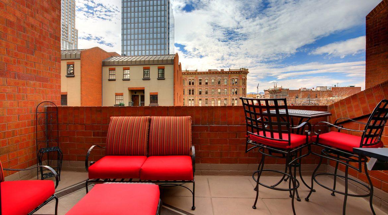 Balcony2_MLS