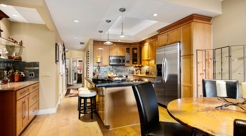 Dining_Kitchen_MLS