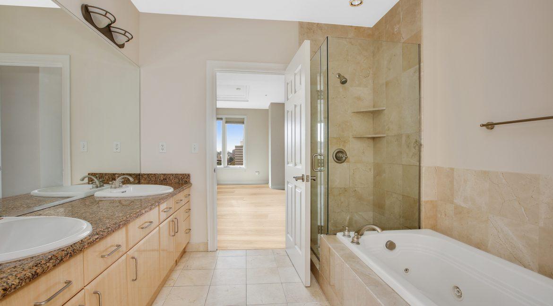 Master-Bathroom-with-hardwood_MLS