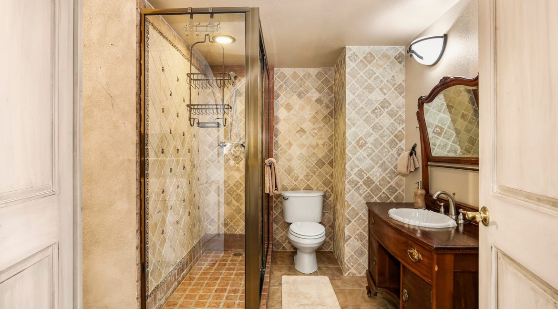Bathroom_MLS